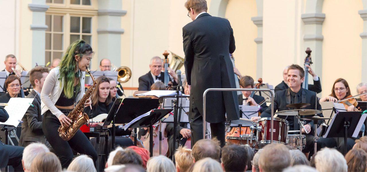 17-05-21 Sinfonie im Innenhof_Grace Kelly und Thomas Dorsch_c_Katja Bode_Website