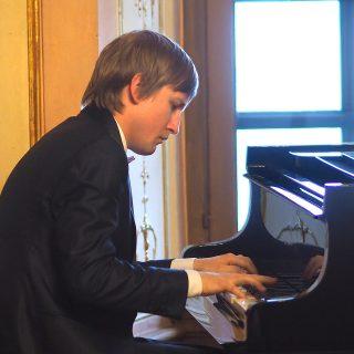Faszinierendes Spiel des Pianisten Dmitry Masleev in Meersburg.