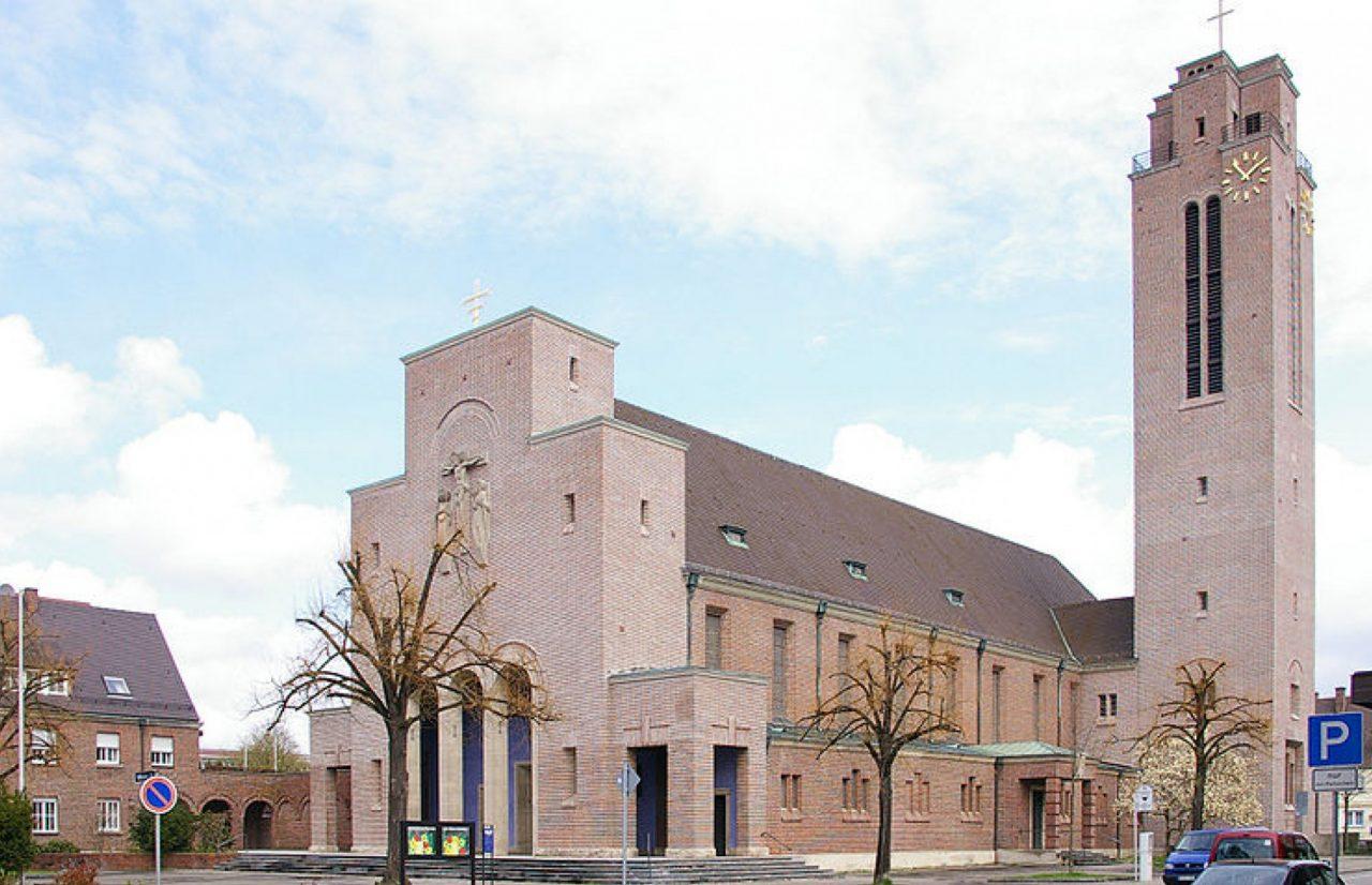 Kirche St. Peter Canisius in Friedrichshafen © Wikimedia Commons